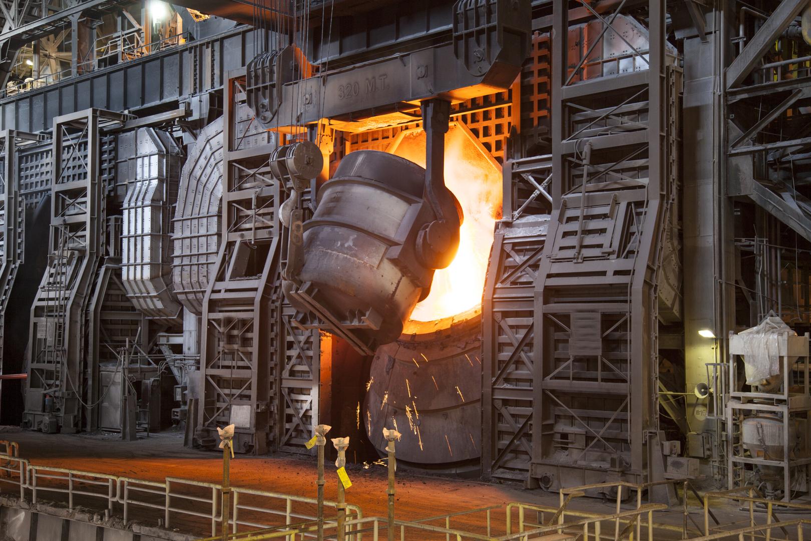 Stahlverarbeitung in der Industrie- Elmoba Kabelverlegung GmbH in Marl und Chur
